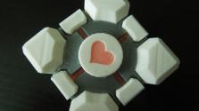 Куб Компаньон из пластика. Маленький, но настоящий друг=)
