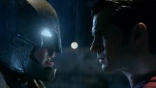 Бэтмен выбивает дерьмо из злодеев в финальном трейлере фильма «Бэтмен против Супермена»