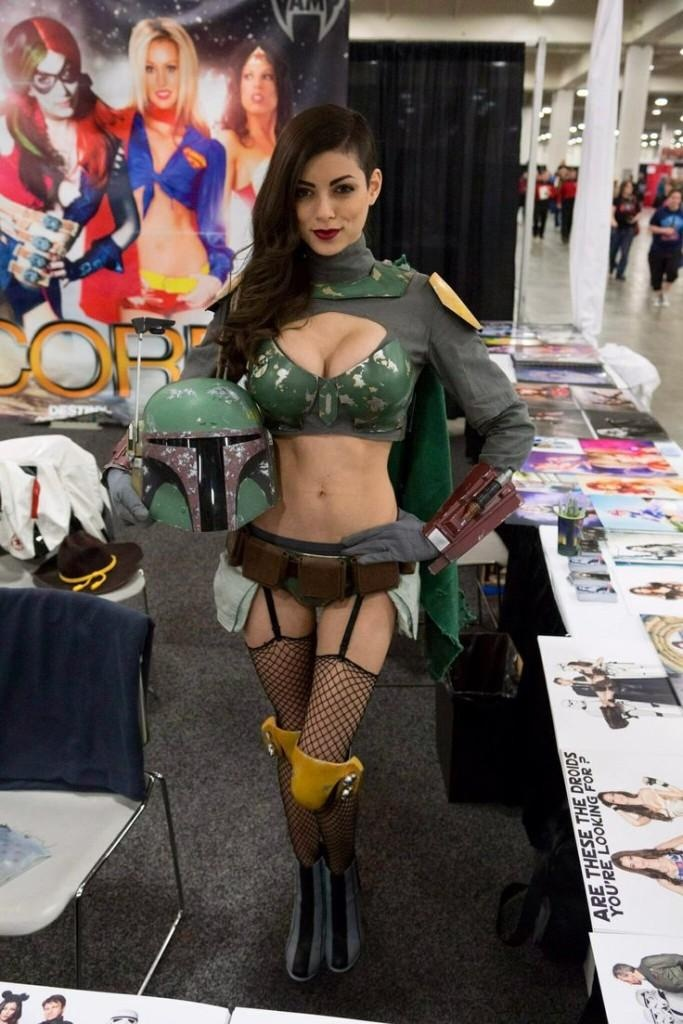 Real sexy comic con women girl