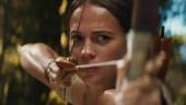 В новом трейлере экранизации Tomb Raider Алисия Викандер изо всех сил изображает Лару Крофт