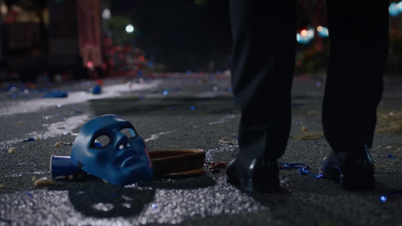 «Кто я такой? Если бы я знал, то не носил бы маску» — новый трейлер сериала «Хранители»