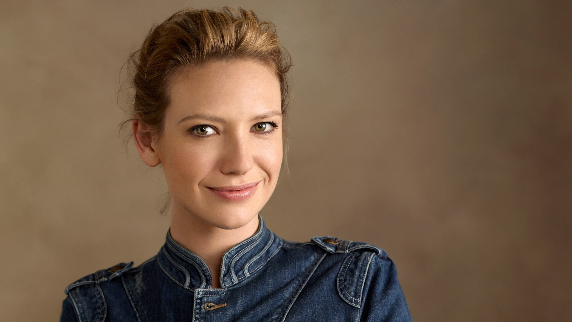 Звезда «Охотника за разумом» и «Грани» сыграет контрабандистку Тесс в сериале по The Last of Us