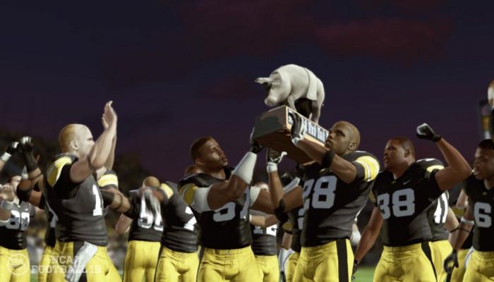 к игре NCAA Football 13