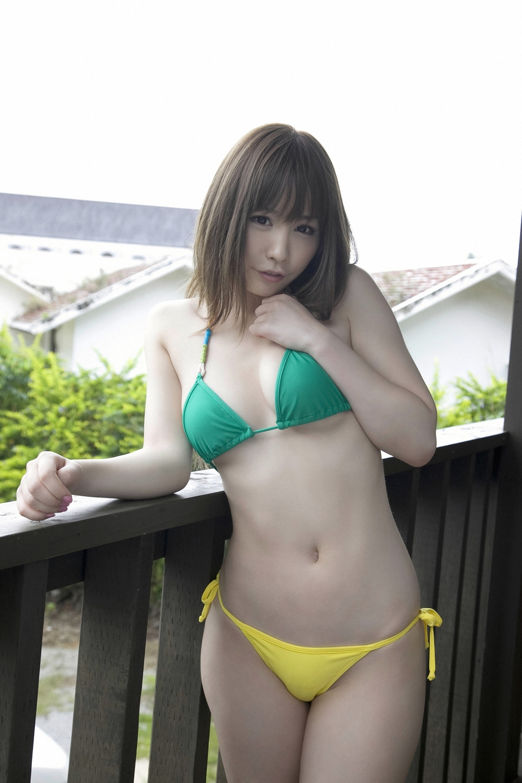 Японки в бикини фото 12 фотография