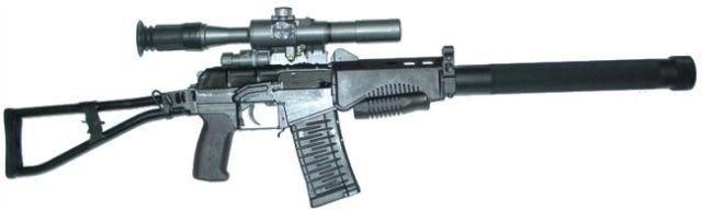 Автомат СР-3М с установленным глушителем и оптическим прицелом.
