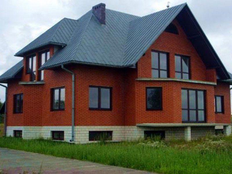 Для возведения зданий кирпич является традиционным материалом и одним из самых популярных строительных материалов