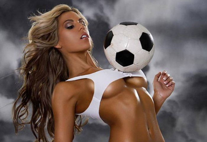 hot milf is having passionate closeness with the football player  152589