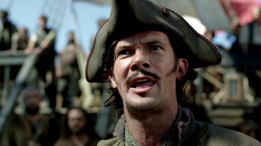 Тоби Шмитц (Toby Schmitz) в роли Джека Рэкхема в сериале «Чёрные паруса».