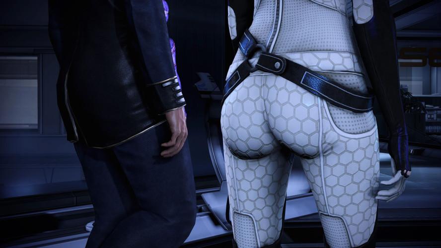 Моддер вернул в ремастер Mass Effect старые ракурсы с попой Миранды
