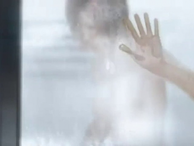 "<a href=""https://www.youtube.com/watch?v=mqMsVpLqwC0"" target=""_blank"">Когда открыл сцену с душем </a>"