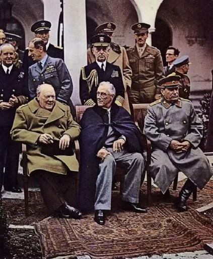 Какой-то 1945год. Чья-то Ялта.