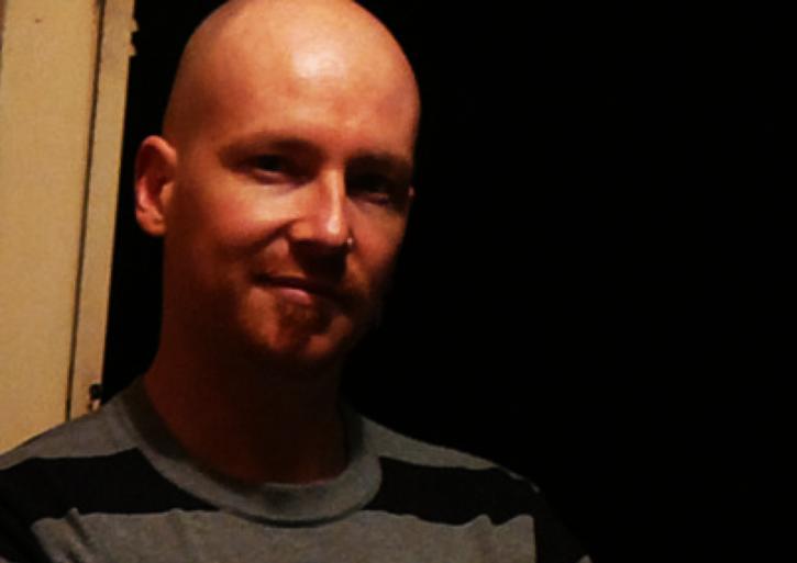 <i>Джонни Гордэн (ориг. Jonny Gorden) собственной персоной: Художник, композитор, писатель и разработчик в одном флаконе. <br>Источник фото: https://soundcloud.com/jonnygorden/</i>