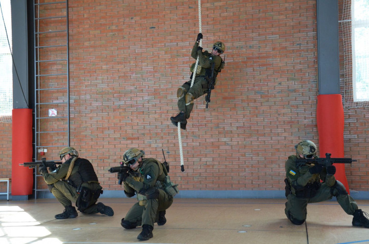 Переплавка для… SWAT 4 (пилот-серия №1)