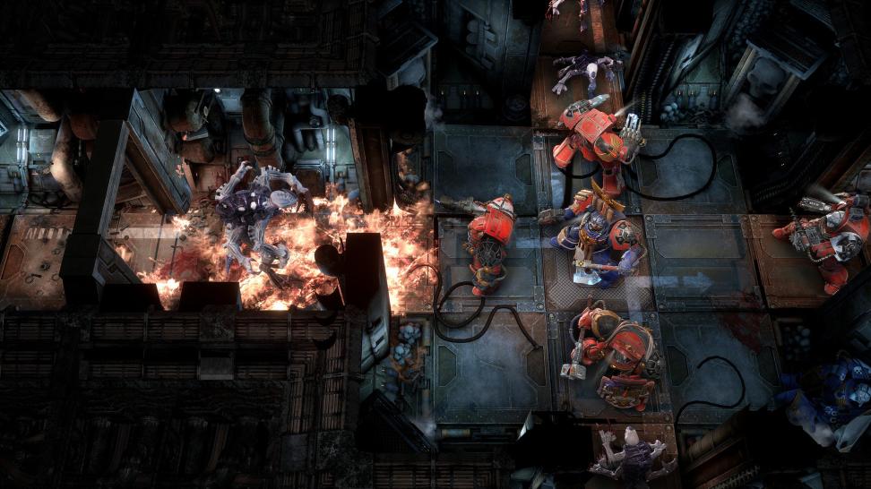 В отличие от более известного кооперативного Space Hulk: Deathwing, который погружает игрока в самую гущу событий, Space Hulk: Tactics переносит в видеоигровой формат классическую пошаговую настолку.
